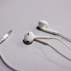 iPhone earbuds instead of bluetooth? Really?